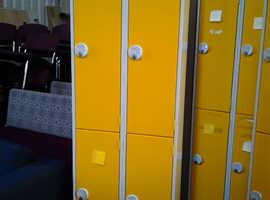 2 Bay, 4 door Locker, Yellow & Grey