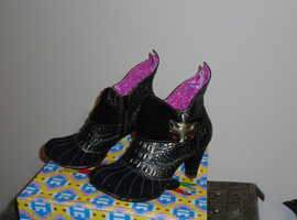 IRREGULAR CHOICE, WHIMSICAL MIAOW ANKLE BOOT,