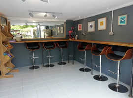 6x bar stools only £100