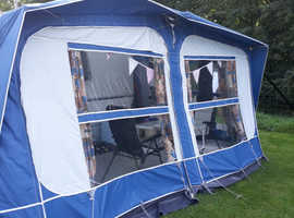 Full size caravan awning excellent condition