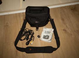 Nikon D70 with 28 - 80 f3.5 - f5.6 Lens, 1GB CF Card,