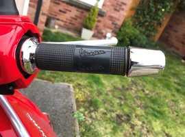 2013 Vespa GTS125 RED