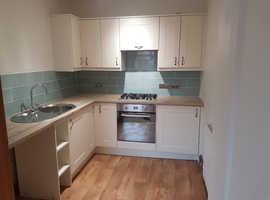 1 Bedroom Flat with garden- Carmarthen *just refurbished