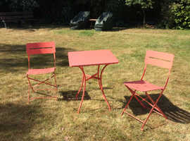 Square metal table and pair of matching folding chairs