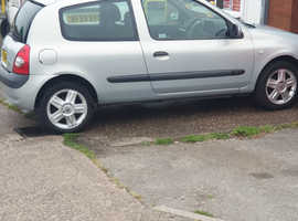 Renault Clio, 2004 (04) Silver Hatchback, Manual Petrol, 105,000 miles