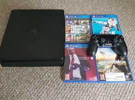 Excellent condition PlayStation 4 slim