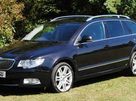 Skoda Superb 4x4 2.0 TDI CR (140 bhp) Elegance Estate 5d 1968cc DSG. Excellent condition. Private sale