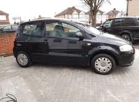 Volkswagen Fox, 2010 (10) Black Hatchback, Manual Petrol, 74,371 miles