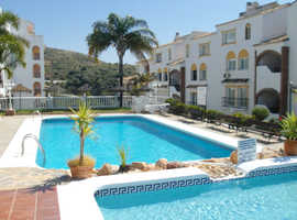 SOUTH SPAIN Costa del Sol / Calahonda apartment for sale (sea views, quiet, 5 min to beach / supermarkets)