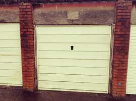 Garage/Lockup for rent
