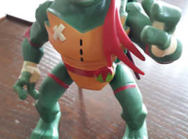 Teenage Mutant Ninja Turtle the Rise-Deluxe Attack Action Figure