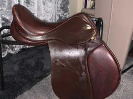 Price reduced 16inch wide Santa Cruz saddle