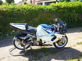 modern classic GSXR750 for sale that has been well looked after