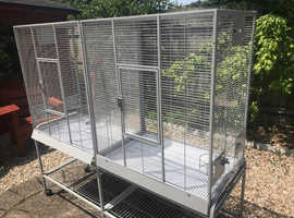Double parakeet cage with breeding doors
