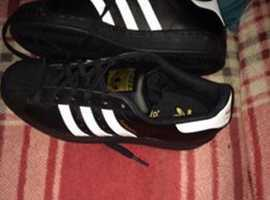 Adidas originals superstar size 5 and a half. Brand new