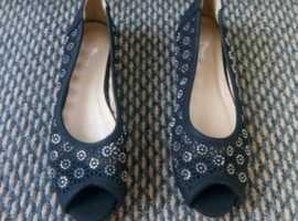 Womens black ballet shoes
