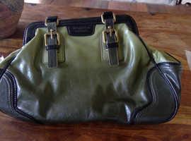 Vera Wang Hand bag