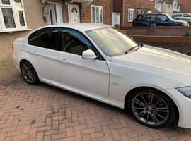 BMW 3 Series, 2011 (11) White Saloon, Manual Diesel, 98,640 miles