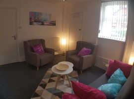 Comfortable counselling room / therapy room in excellent location Ashford, Kent