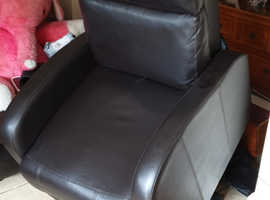 Riser recliner arm chair