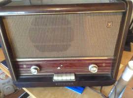 Philips valve radio