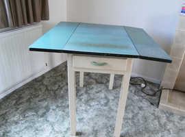 RETRO FORMICA TABLE
