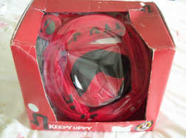 KEEPY UPPY FOOTBALL GAME  ( UNOPENED )