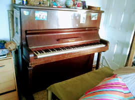 Melodist upright accoustic
