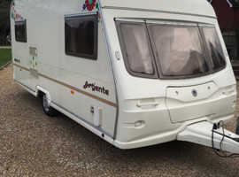 avondale argente 2004 2 berth in very very good condition in side and out