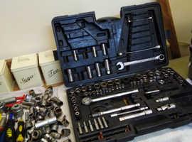 Halfords advance socket set and bobs