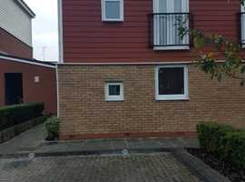NO Bills to Pay -  1 Bed Duplex with open plan Kitchen/living Room, Seperate Bathroom split over Two Floors - Own Parking Space