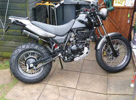 hyosung rt125d 2016 with brand new mot in mint condition.