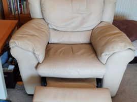 Cream leather 3 piece suite.