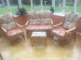 Cane conservatory suite