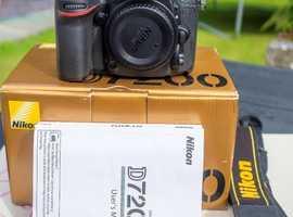 Nikon D7200 and MB-D15