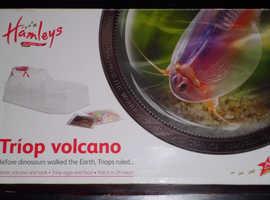 Hamleys 'Triop Volcano' Set (new)