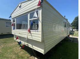 2 bed caravan available in Felixstowe