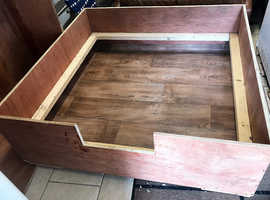 Dog bed/whelping box new made out of 18mm ply never used has a pig rail and vinyl flooring fitted,approximate size 49x50 inches
