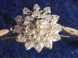 Ladies Jewellery 9ct Gold Diamond Cluster Ring Fully Hallmarked 375 DIA 0.10ct.