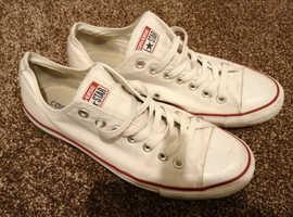 Converse all-stars size UK 9 white