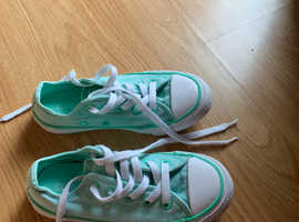 Girls mint converse size 11