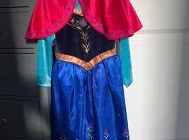 Bundle of girls dressing up clothes