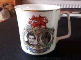 3 Royal Collectors Cup's.