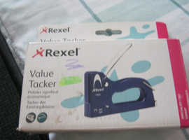 Rexel heavy duty staple gun