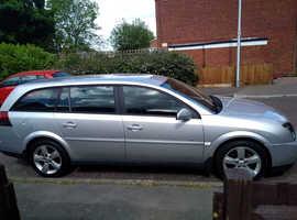 Vauxhall Vectra, 2004 (54) Silver Estate, Manual Petrol, 109,000 miles
