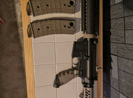 Tippmann M4 Carbine and Tipx Pistol