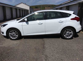 Ford Focus, 2015 (65) FROZEN White Hatchback, Manual Diesel, 26,000 miles