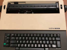 Brother CE-25 Electric Typewriter