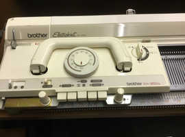 2 Knitting machine with accessories electro knit KH950i