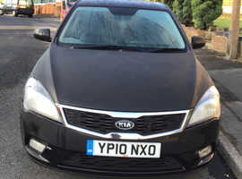 Kia Ceed, 2010 (10) Black Hatchback, Manual Diesel, 110 miles